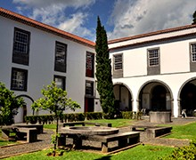 Discover 4 centuries of history in the Jesuit College